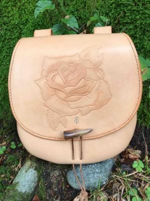 sacoche rose cuir