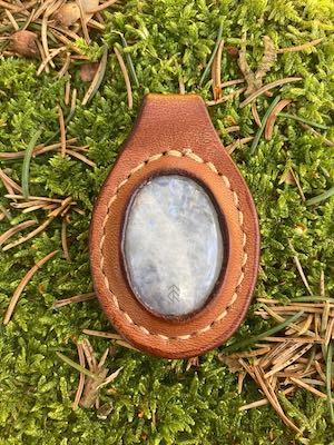 pendentif cuir pierre de lune